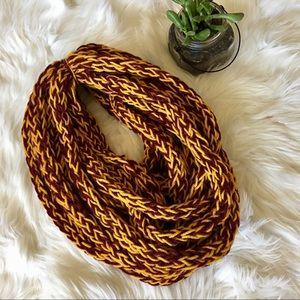 ⚡️ Handmade Gyffindor Cable Knit Yarn Scarf!